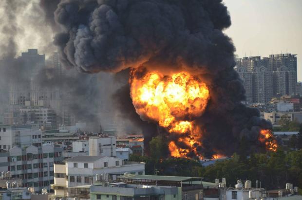 中壢輪胎廠大火煙塵可能飄到台北   醫籲兒童勿在外玩耍