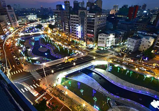 揮別臭水溝,台中柳川重生!用藝術點燈 打造浪漫水岸公園