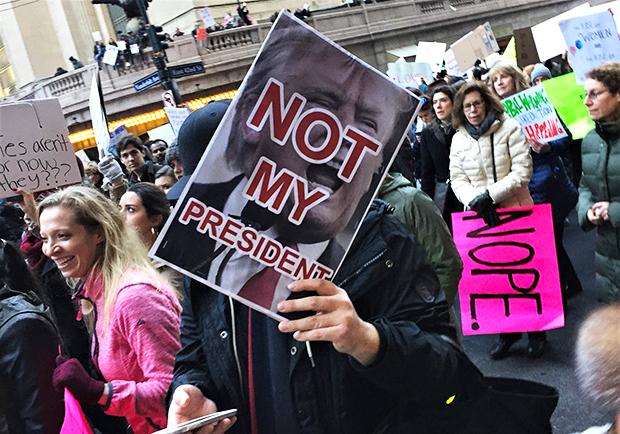 【阿甘美國冒險】 迎接狂人總統!反川普大遊行,紐約現場大直擊
