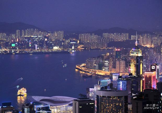 世界三大夜景 太平山上環抱香港夜景