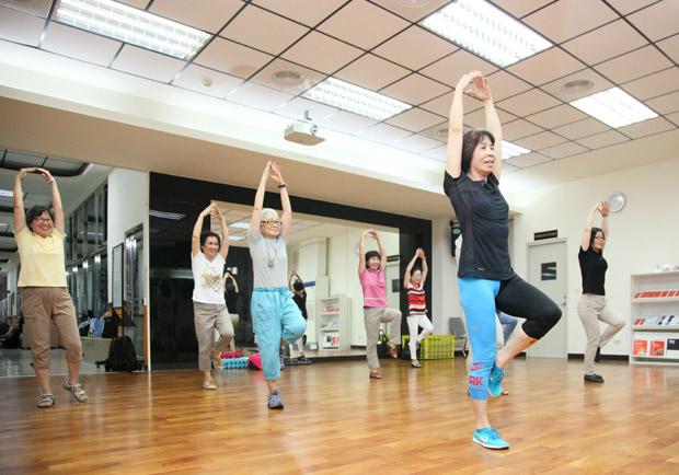 45 歲以上女性該如何用飲食及運動減重?