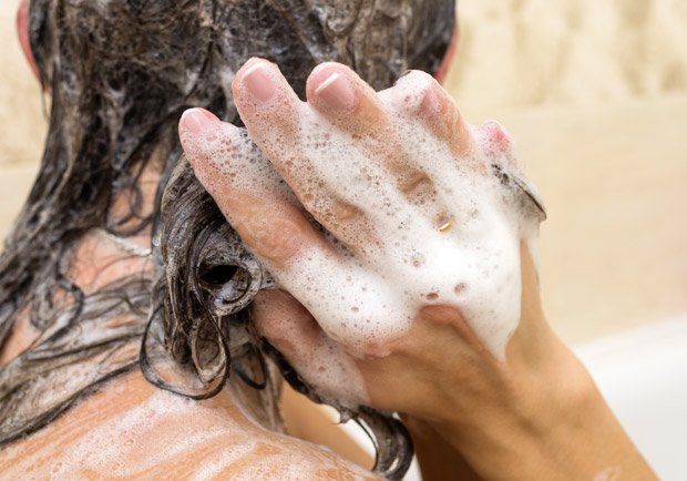 你的洗頭方式正確嗎?別再用洗髮精洗「頭髮」