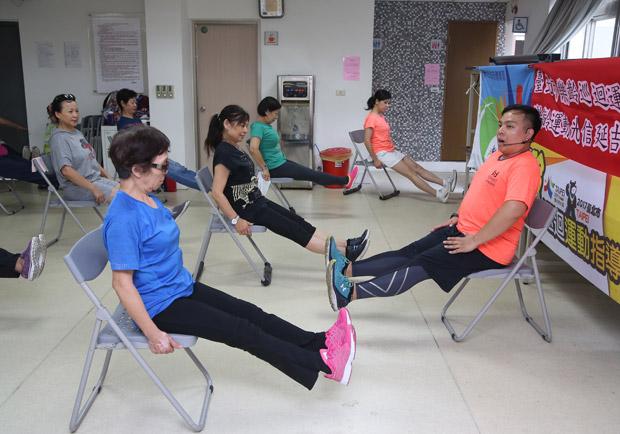超簡單健康促進操:護膝三運動