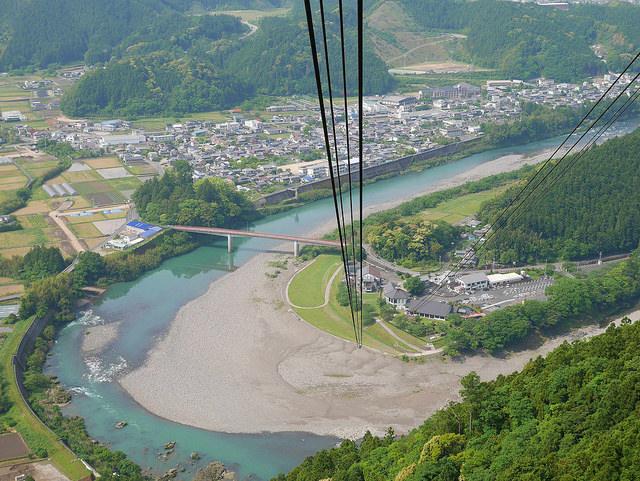 搭西日本最長空中纜車 朝聖弘法大師曾修行的「太龍嶽」