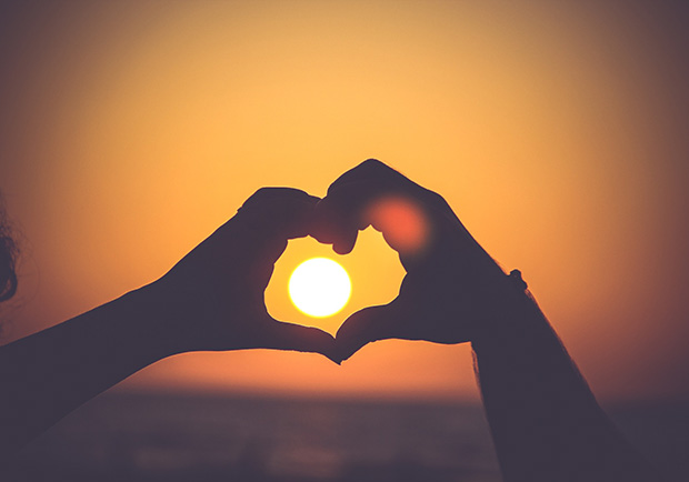 愛與善意是快樂生活的基本原則