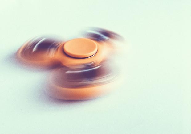 全球爆紅的紓壓小物「指尖陀螺」