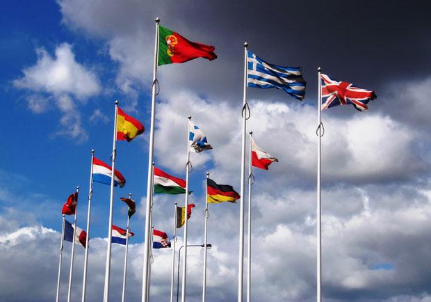 經濟學人:全球經濟同步復甦,但須留意政治風險