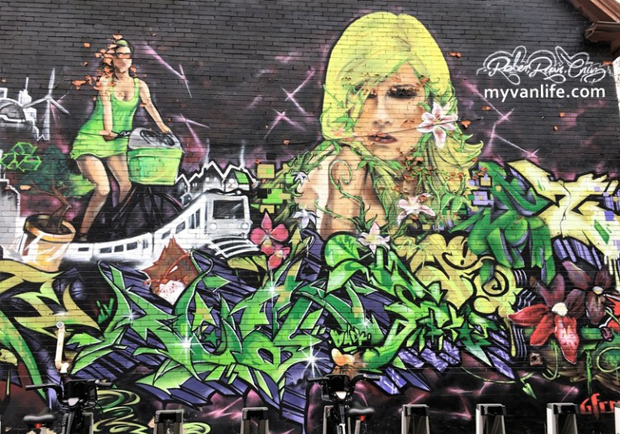 讓我們用力噴漆吧!歡迎來到多倫多塗鴉巷,街頭藝術家的天堂