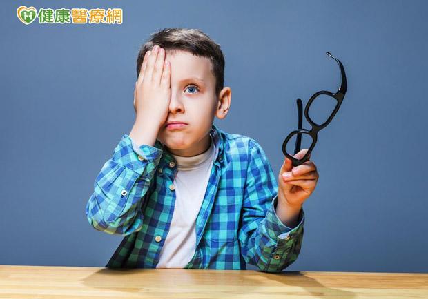 兒童弱視治療有黃金期 家長莫輕忽!