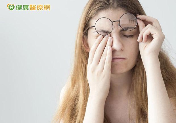 別讓眼睛敗給3C品!護眼NG行為一次報你知