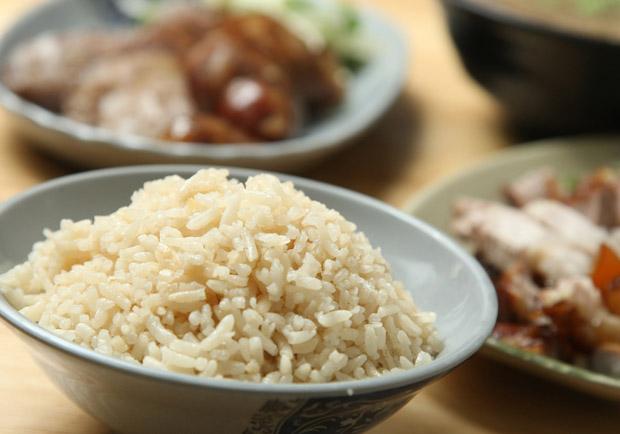 千萬別這樣洗米!稻米達人教怎麼煮出一鍋香Q米飯