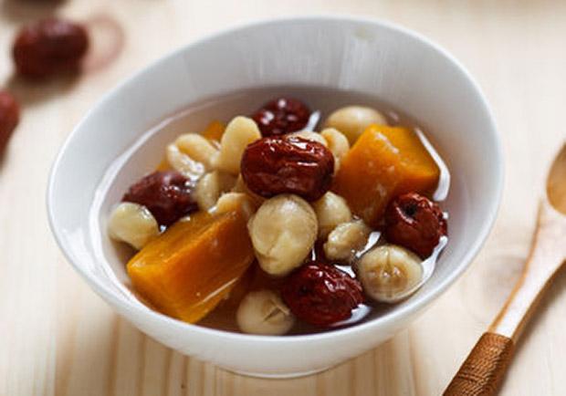 超簡單電鍋甜品:紅棗地瓜蓮子湯