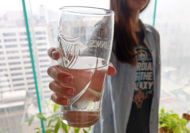每天一定要喝 8 杯水?