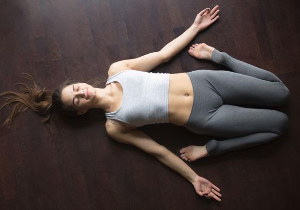 壓力大、腸胃消化不佳,這 5 種瑜伽動作...