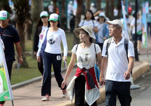 每日 6000 步走掉三大慢性病,但關鍵要這樣走!