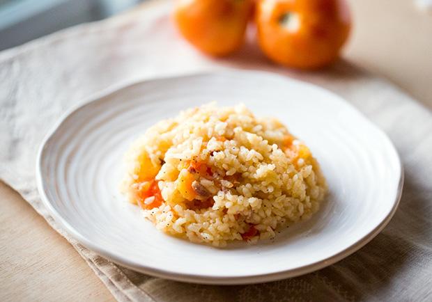 吃到整顆番茄的營養!電鍋料理「奶油培根番茄飯」