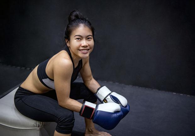 女孩練拳擊20分鐘,高效燃脂又健康!