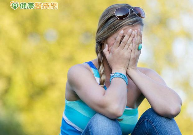 把「我」掛嘴邊是自戀?研究:是情緒困擾的求救警訊