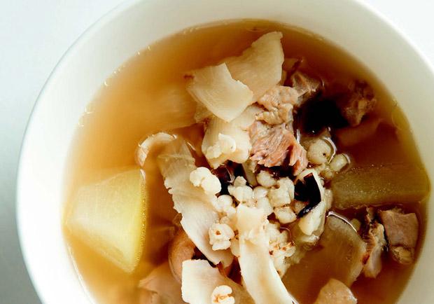 消暑氣、潤喉、防倦怠:清補涼雞煲湯