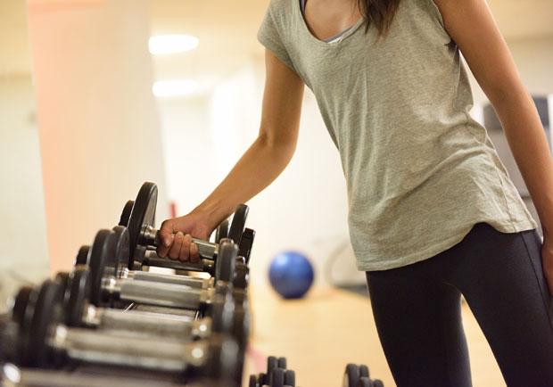 滿身大汗就等於有效訓練?健身初學者需破除的三大迷思