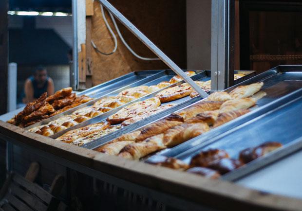 夜市麵包為何這麼便宜?揭露原物料價差的 3 大食安易燃點