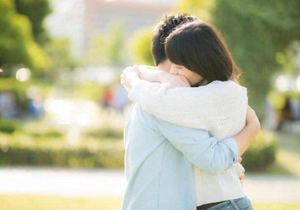 愛的抱抱有神效?美研究:可改善情緒