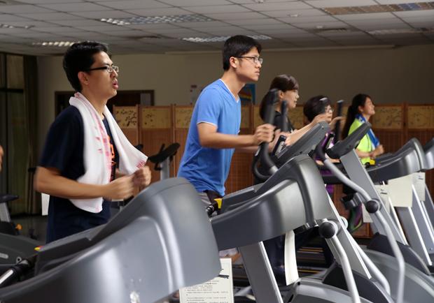持之以恆分次運動燃燒脂肪,忙碌上班族也能變瘦!