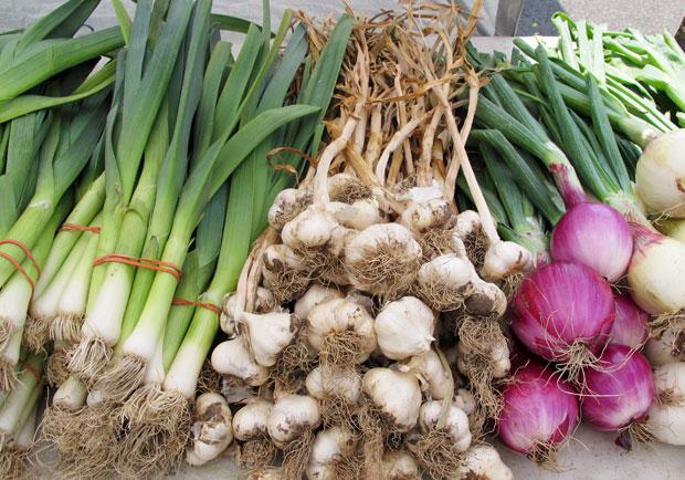 全穀類降肝癌,蔥屬蔬菜降大腸癌