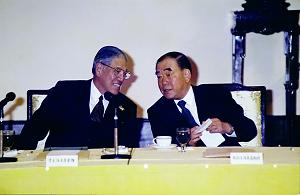 李登輝與郝柏村兩人曾稱「肝膽相照」,後卻因心結而漸行漸遠。